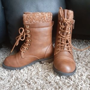 NWOT Link combat boots faux leather gold z…